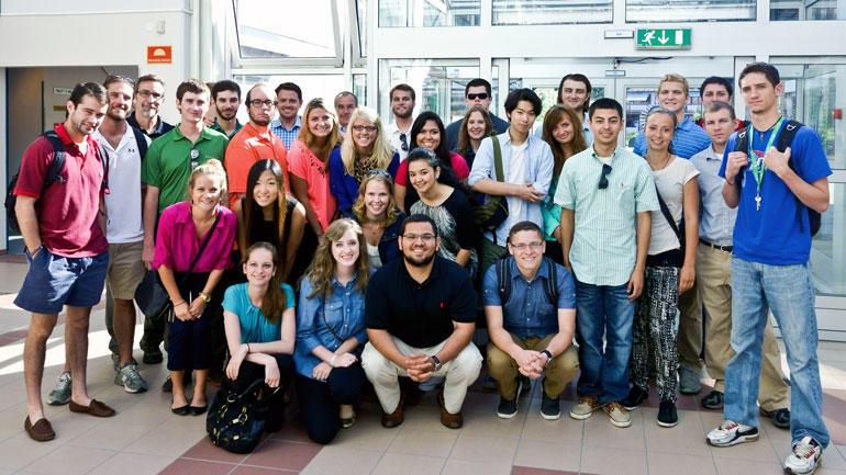 Sommerskolestudenter ved Campus Ringerike. Foto.