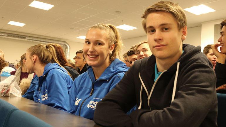 Karianne Øvreås og Jørgen Tingstad, begge elever ved idrettslinja ved Ringerike VGS.  Foto
