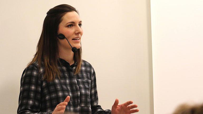 Racingsjåfør og tv-personlighet Molly Pettit har studert ved HSN siden 2012. Hun har fullført årsstudium i Sport & Event Management og tar nå et bachelorgradsstudium i Økonomi og ledelse. foto