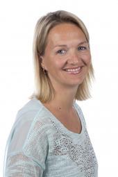 Forsker Pia Cecilie Bing-Jonsson tror mer kompetanse blant de ansatte kunne spart de eldre for mange problemer. (Foto: HSN)