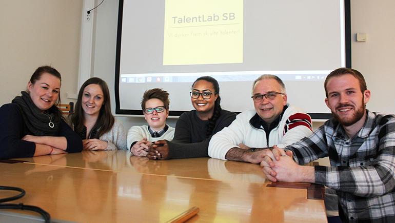 Marthe Kleppen (t.v.) Trine Stenseth, Synne Dilland Børresen, Sandrina Sandell, Morten Sølyst og Steffen Aasland