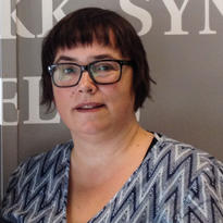 Katrine Vikåsen Paulsen. Foto. 17 år som sykepleier på øyepoliklinikk.