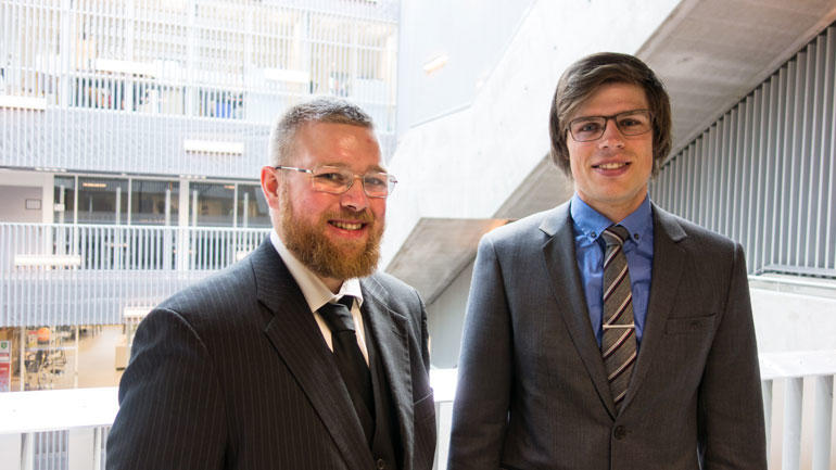 Vegar og Audun er ferdige med ingeniørstudier på Kongsberg. Foto