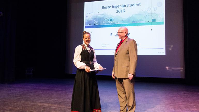 Prisen som beste ingeniør-bachelorstudent gikk til Elise Løken.  Foto