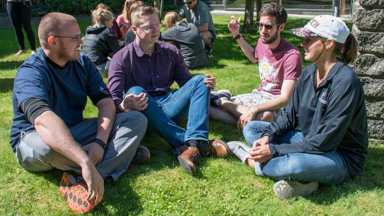 Studenter ved Internasjonal sommerskole Ringerike. Foto