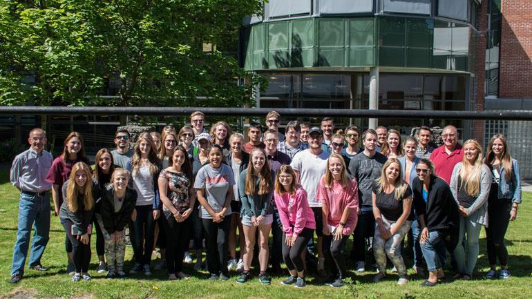 Studenter og undervisere ved Internasjonal sommerskole Ringerike.