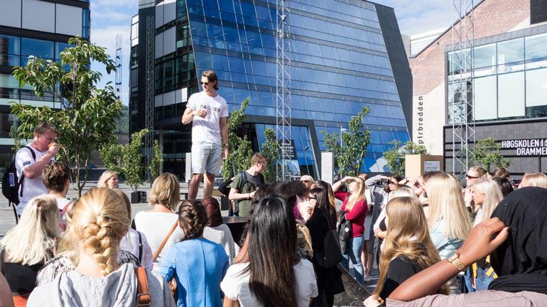Studentenes organisasjoner, Studentsamskipnaden (SSN) og Universitetet i Sørøst-Norge går sammen om å oppfordre studentene til å begrense alkoholinntaket, og tillater ikke spontane fester på campus og i studentboligene.
