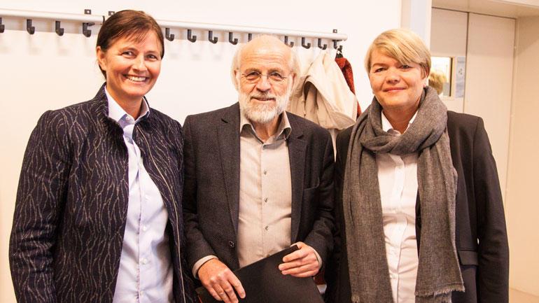 Glade for å få HSN inn i ledelsen av PROFRES: F.v UiS-professor Kristin Akerjordet (leder av PROFRES), rektor Petter Aasen og dekan Heidi Kapstad.