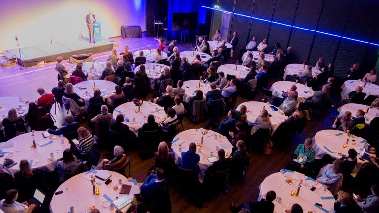 Ansatte fra hele UHR-sektoren har kommet til campus Kongsberg for å være med på det årlige Erasmus-seminaret.  Foto