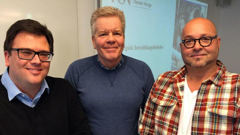 LEDERKURS: De lærer om ledelse og om hverandre. F.v. faglærer Jarle Løwe Sørensen og studentene Frank Berg og Morten Lødding Sørensen. (Foto: Øivind Munkås, vestviken24.no)