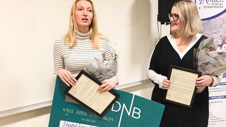 VG-journalistene Synnøve Åsebø og Mona Grivi Nordman mottok pris. Foto