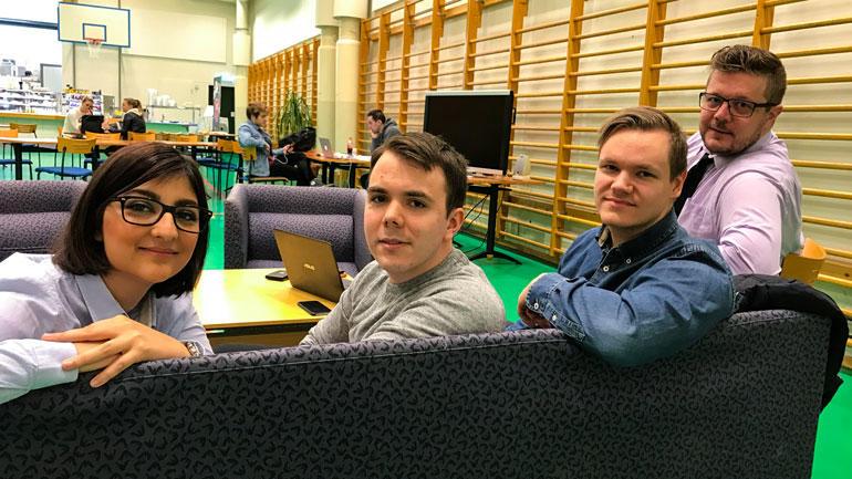Noen av styremedlemmene i Debug, IT-studentenes linjeforening på Ringerike. F.v: Hamta Roshan,Erlend Hall,Ole Martin Helgesen og Tomas Bråten. Foto