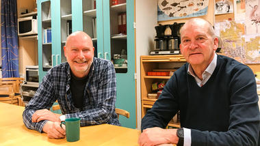 Høgskolelektor Helge Tor Kristiansen og studiekoordinator Ragnar Niemi Berg. Foto