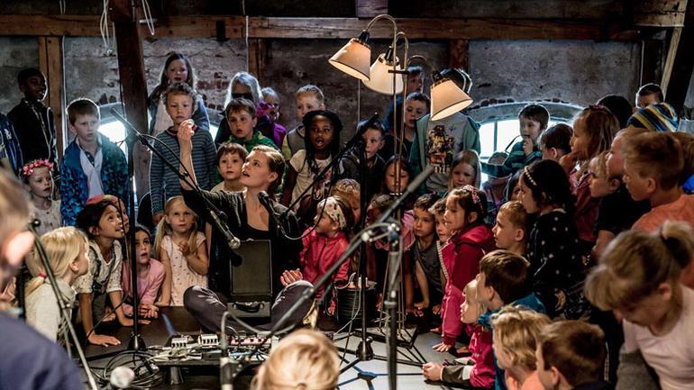 Skoleforestillingen Inni varmen. Foto: Lars Opstad/Kulturtanken