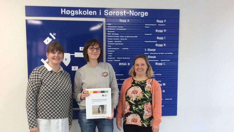 Metodestøttere Therese Jakobsen og Thea Vibe Zandjani  og kursleder Anna Nylén fra Sverige.  Foto