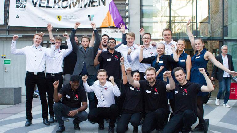 Studentbedriftene Ixid SB, Helix SB, Easy Vision SB, Hecaro SB og Easy desk SB skal representerer HSN i Norgesmesterskapet i studentbedrift i Oslo i juni. Foto: EmilFabian Photography