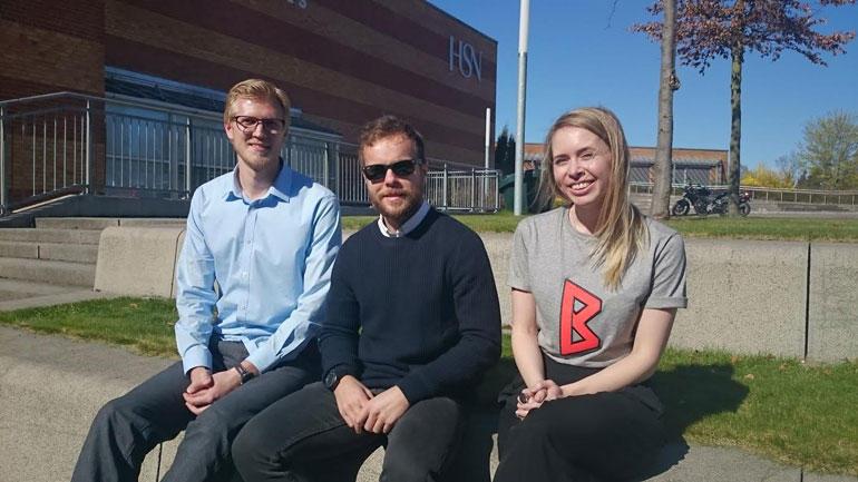 Tre av de fire studentene deltok på konferansen på campus Vestfold. F.v: Lars B. Fevang, EspenKvernhaug, Sofia Elamson. Foto