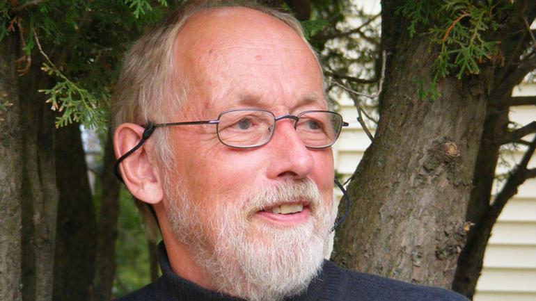 Professor emeritus Øyvind T. Gulliksen flytter nå tilbake til hjemlandet og skal fortsette arbeidet med brevsamligen til Elisabeth Koren som utvandret fra Larvik til USA i 1853.