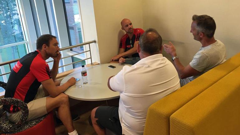 Arnstein Sunde i samtale med team santander