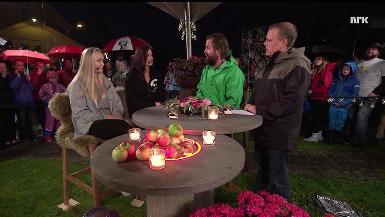 Dita og Rebecca på tv