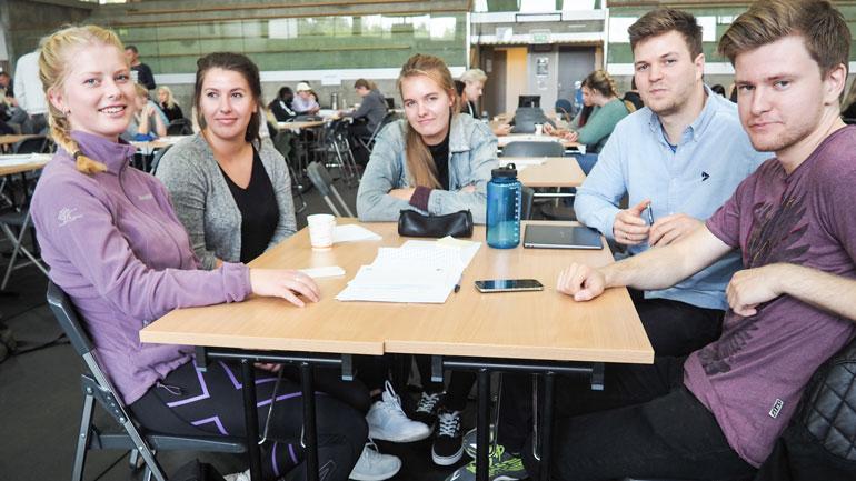 Studenter på innovasjonscamp. Foto