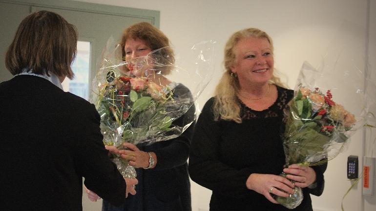 Markert: Inger Åse Reierson, førstelektor ved Institutt for sykepleie- og helsevitenskap, og Ingunn Lia, daglig leder ved SIM-senteret, mottok fortjent hyllest for sitt arbeidet med det nye SIM-senteret.