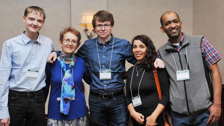Studentene sammen med HSN-ansatte på USA-konferanse. Foto