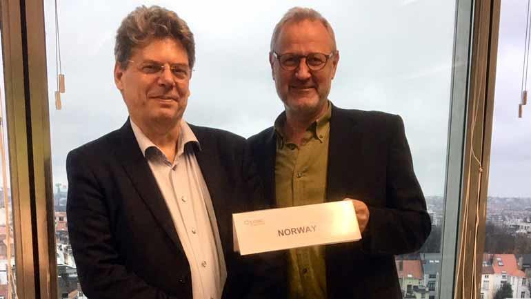 De to norske medlemmene i styringskomiteen til et nytt europeisk forskernettverk, Bernard Enjolras (venstre) og Lars U. Kobro fra HSN.