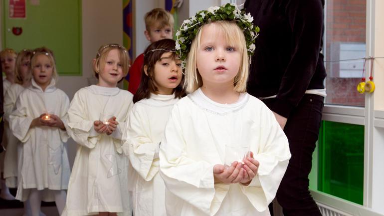 Tradisjon: Lucia-feiring i skule og barnehage er fast tradisjon over heile landet. Foto: Colourbox