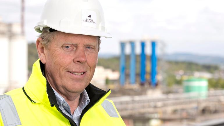 Rolf Olaf Larsen fra Herøya Industripark AS ser fram til å få etablert en industrimaster, som vil kunne bidra til å levere riktig kompetanse til industrien i årene framover. Foto