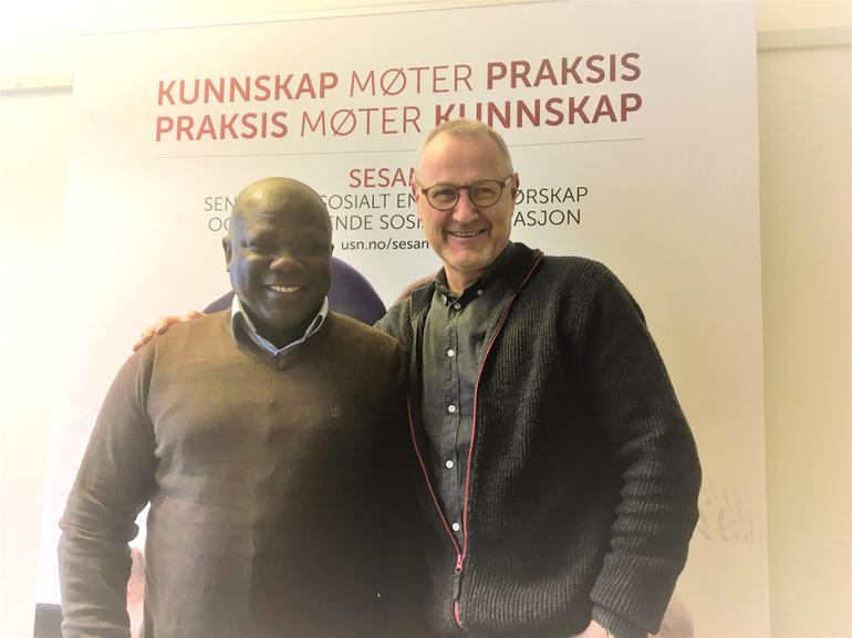 Moses Deyegebe fra CampCom og Lars Kobro fra SESAM