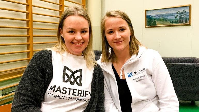 F.v: Sara Salterød og Hanna Vigebo tar master på campus Ringerike. Foto: Jan-Henrik Kulberg
