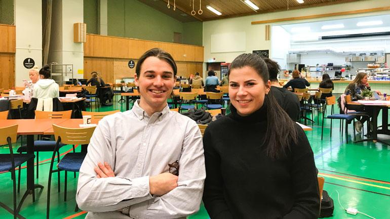 F.v: Maxim Gjerdalen Foray og Lijana Demendziunaite vil arrangere eksamensøving for markedsføringsstudentene. Foto: Jan-Henrik Kulberg