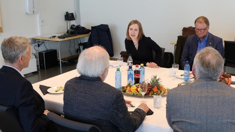 Forsknings- og høyere utdanningsminister Iselin Nybø om SAKS-midler til HSN. foto.