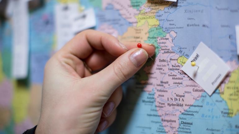 Verdenskart med nåler