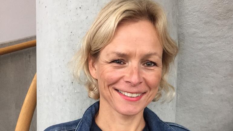 Anne Marie Øines er høgskulelektor i språkfag ved HSN. Ho underviser i barns språk og litteratur i barnehagelærerutdanninga, og er mellom anna opptatt av barnehagelæraranes arbeid med fleirspråklege barn og barnelitteratur i barnehagen.