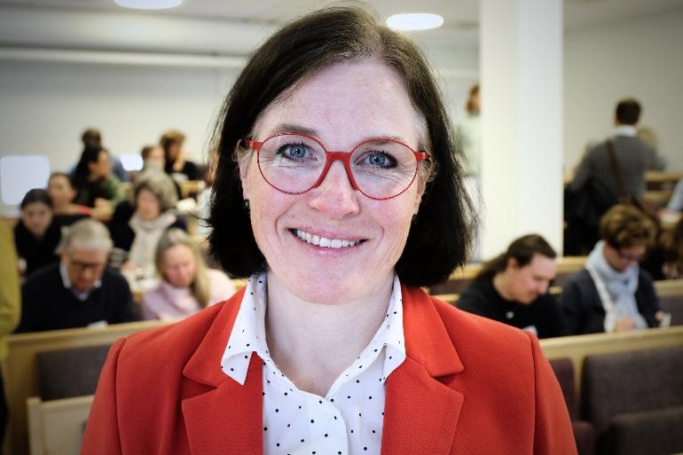 Janne Dugstad om videobasert kommunikasjon USN. foto.