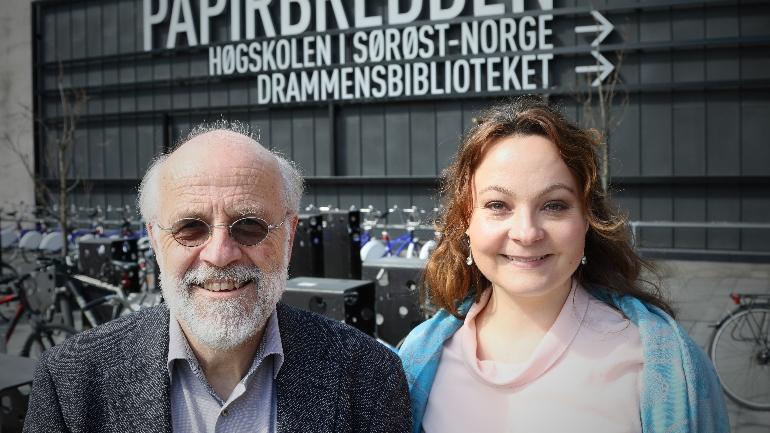 Petter Aasen USN og Rebekka Borsch på campus Drammen. foto.