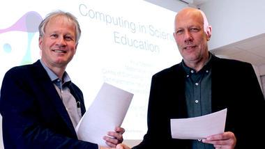 Nærbilde av de to som signerte avtalen mellom USN og UiO. Dekan Morten Christian Melaaen og UiO-professor Knut Mørken.