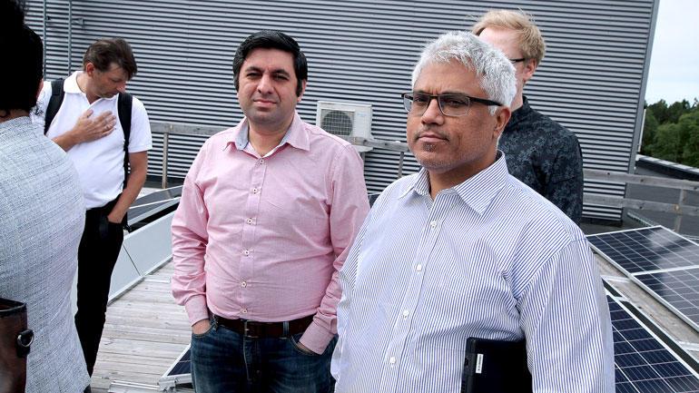 To USN-forskere som skal forske videre på solcelleanlegget.