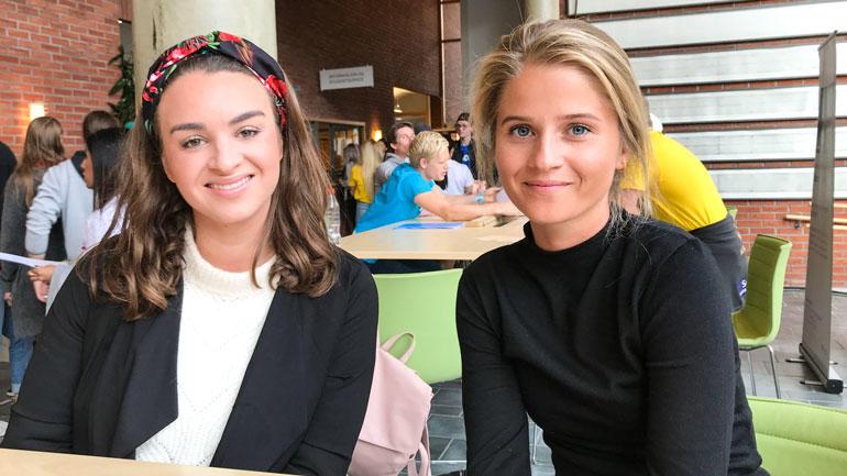 F.v: Kristin Kvam (PPU i juridiske fag) og Tina Guddal (bachelor i jus) er to av årets nye studenter på campus Ringerike. Foto: Jan-Henrik Kulberg