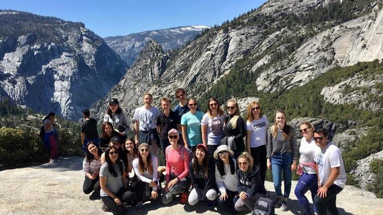 Norske og utenlandske utvekslingsstudenter ved California State University, Monterey Bay, som er et av stedene USN har avtale med.