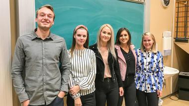 Første USN-studenter med juridisk kandidatutdannelse fra Danmark. Foto