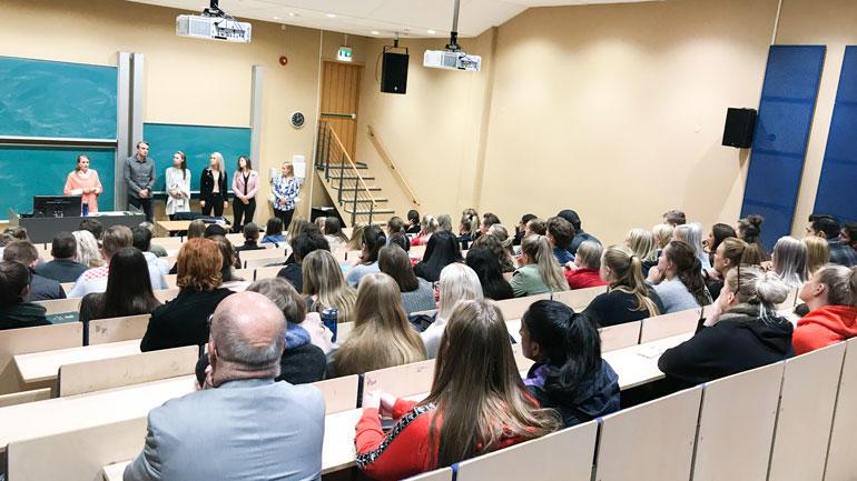 Mange hadde møtt frem for å høre om mulighetene for å ta kandidatutdannelse i Danmark. Foto. Jan-Henrik Kulberg