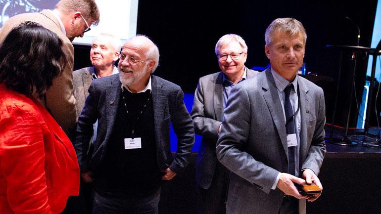 Petter Aasne, Frode Bakken og Pål Augestad i Ibsenhuset under Gunnar Knudsen-seminaret