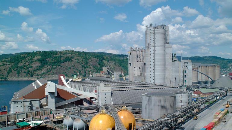 NYTTEVERDI: Nitrat fra Yaras gjødselproduksjon i Porsgrunn er en viktig ingrediens i renseprosessen. Foto: Gisle Nomme/Yara