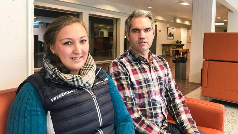 Lærerstudenter på USN får veiledning av erfarne lærere. Foto av studentene Line og Kim. Bli lærer på USN.