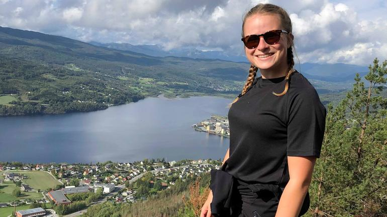 Manon hiking in Norway