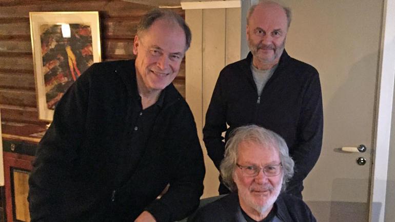 Tom Remlov, bak t.h., Finn Skårderud, bak t.v. og Tian Sørhaug, foran
