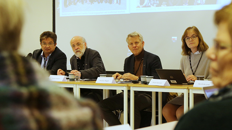 Duy Tho Do, Petter Aasen, Nils Kristian Bogen og Kristin Barstad under USN RSA. foto.